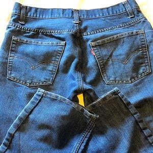 Ladies 18R Levi denim jeans